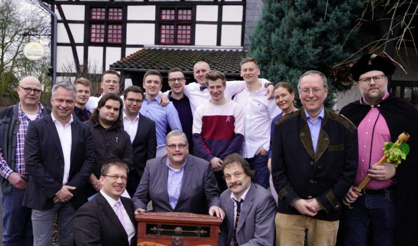 Zehn junge Männer in die Zunft der Brauer und Mälzer aufgenommen
